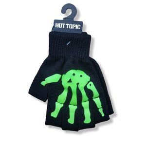 NWT HOT TOPIC glow in the dark skeleton fingerless gloves